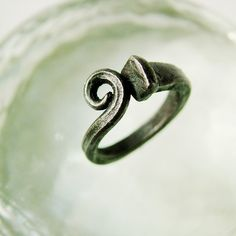 Scrolled Iron Nail Ring by CitiZenoBjeCts on Etsy Nail Jewelry, Metal Jewelry, Jewelry Box, Jewelry Making, Viking Jewelry, Jewellery, Horseshoe Nail Art, Horseshoe Crafts, Horse Shoe Nails