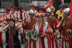 Per #Befana a #Firenze torna la #cavalcatadeimagi  Un'altra foto della precedente edizione  http://operaduomo.firenze.it/blog/posts/torna-la-cavalcata-dei-magi