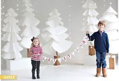 Isn't this #holiday #photoshoot set adorable? Doesn't look like it would be too hard to recreate. Love the #bunting!