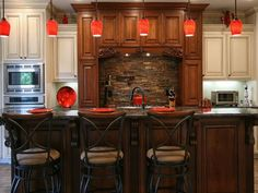 Photo of Brown Traditional Dining Room project  by Walker Woodworking