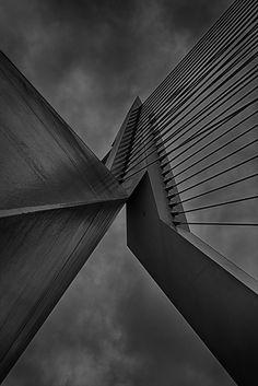 https://flic.kr/p/vrL3b4 | Rotterdam - Erasmusbrug | The view from the bottom