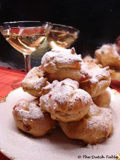 The Dutch Table: Sneeuwballen (Dutch Snow Ball Puffs)