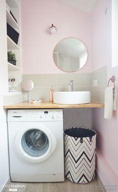 Petit aménagement sdb Bathroom Layout, Laundry Room Bathroom, Tiny House Bathroom, Laundry Area, Laundry Room Design, Small Bathroom, Eau Rose, Downstairs Toilet, Minimal Home