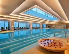 Amazing Spa. Luxuryprivatelistings.com #pools #architecture #homes