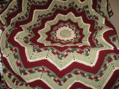 Elizabeth's round ripple | Flickr - Photo Sharing! So want to make this as a Christmas Afghan.