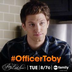 """S5 Ep8 """"Scream for Me"""" - Love to see Toby in uniform! #OfficerToby #PLL"""