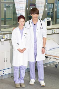 Choi Jin Hyuk reveals his kiss scene with Song Ji Hyo had no NGs + still cut from 'Emergency Couple' | allkpop