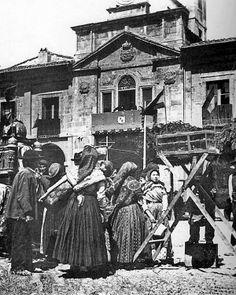 Avilés en 1858, según un cronista real. Mercado en la Plaza del Ayuntamiento. Archivo Nardo Villaboy