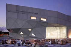 Museu de Arte de Tel-Aviv, Israel by Pedro Kok, via Flickr