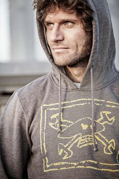 Guy+Martin+GM+Spanner+Skull_Grey+Yellow+Hoodie_MG_9907_WEB+SML+copy.jpg (854×1280)