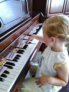 Heidi's Piano Studio: Hearing and Seeing Piano Patterns from the Start