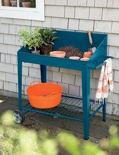 Demeter Metal Potting Bench with Wheels Luxury Garden Furniture, Pallet Garden Furniture, Pallets Garden, Garden Benches, Pallet Gardening, Vegetable Gardening, Container Gardening, Gardening Zones, Fairy Furniture