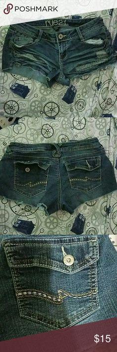 Cut off shorts Ripped and fixed look, short front pockets, great back pockets Rue 21 Shorts Jean Shorts