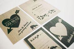 Foto 5 de 10 Invitaciones impresas simulando textura de árbol. Invitaciones de Boda Rústicas. Imagen: Three   HISPABODAS
