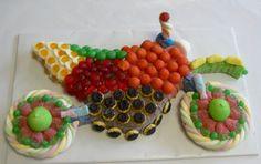 moto en bonbon Bar A Bonbon, Candy Cakes, Chocolate, 3rd Birthday, Marshmallow, High Tea, Buffet, Sweet Treats, Birthdays