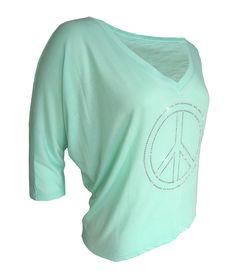 Wunderschönes mintfarbenes Shirt mit einer etwa 20 cm großes Applikation http://www.redsilent.de/product_info.php/info/p110_shirt-mint--peace-forever-.html