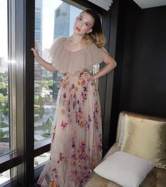 Read cuartos para la pijamada y casa de tn from the story From Hate To Love 💖(Adexe Y Tu) Terminada by -ItsJaneHopp (𝑱𝒂𝒏𝒆) with reads. Millie Bobby Brown, Gala Dresses, Summer Dresses, Bobby Brown Stranger Things, Cute Comfy Outfits, Brown Fashion, David Beckham, Rock, Grey's Anatomy