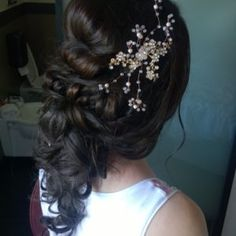 Romantic wedding hairstyle for Rome italy destination wedding by JANITA HELOVA www.janitahelova.com
