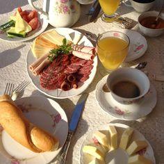 Breakfast - Reggeli - Bacchus - Badacsony - Lake Balaton - Hungary Bacchus, Hungary, Chocolate Fondue, Apartments, Breakfast, Desserts, Food, Morning Coffee, Tailgate Desserts