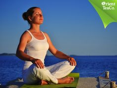 #VidaSaludable Elimina el estrés realizando yoga. TOMA LO MEJOR DE LA VIDA. El ritmo de vida que llevamos hoy en día, puede generarnos estrés. Sin embargo, existen muchas opciones para manejarlo y una de ellas es la práctica del yoga, una disciplina que conjunta la fuerza física con aspectos mentales. Te invitamos a practicar esta disciplina para mejorar tu salud e hidratarte con una bebida sana y deliciosa como Orient Tea.