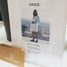@vince is gifting @gardenia_organic bouquets to all #MothersDay shoppers today at their Mercer Street store, until 4pm  #flowers #nyc #gift #flowerlovers #sustainable #fashion #fashionblog #fashionista #fashionblogger #buylocal #ilovemymom