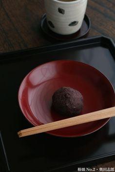 久しぶりですが「軽快なおもてなし料理」制作中!:椿皿No.2・奥田志郎:和食器・漆器・お椀 japan lacquerware