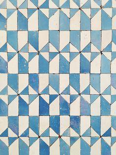Portugal Photo Diary Part Guimarães and Lisbon – Rebecca Atwood Designs Tile Patterns, Textures Patterns, Print Patterns, Tile Design, Pattern Design, Motifs Textiles, Keramik Design, Portuguese Tiles, Turkish Tiles