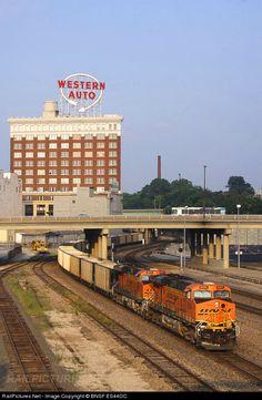 RailPictures.Net Photo: BNSF 6024 BNSF Railway GE ES44AC at Kansas City, Missouri by BNSF ES44DC
