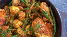 Rachael Ray~Spicy Honey Mustard Chicken with Potatoes and Green Beans. This one-skillet meal—complete with sides and sauce—pulls together in minutes before being finished off in the oven. Looks fantastic! Green Beans And Potatoes, Spicy Honey, How To Cook Beans, Honey Mustard Chicken, Chicken Potatoes, Cooking Recipes, Healthy Recipes, One Pot Meals, Chicken Recipes