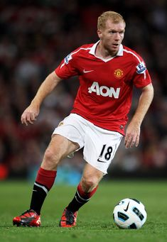 Paul Scholes in Manchester United v Newcastle United - Premier League Football Icon, Best Football Players, World Football, Soccer World, Soccer Players, Manchester United Legends, Manchester United Players, Man Utd Squad, Cr7 Messi