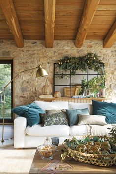 〚 Rustic Christmas in a country house in Spain 〛 ◾ Photos ◾Ideas◾ Design Country House Interior, Home Interior Design, Design Homes, Country Homes, Summer Deco, Rural House, Rustic Interiors, French Country Interiors, Cottage Interiors