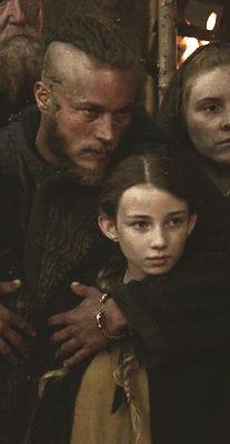 Ragnar kissing Gyda Vikings