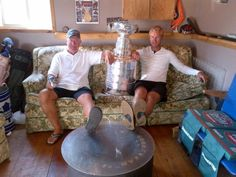 Jeff Carter w/ dad Jim and Lord Stanley. #stanleycup. #hockeyhallfame @LAKings @NHL