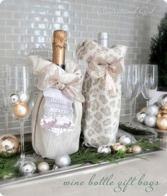 Nobody would turn down these Wonderful Wine Bottle Gift Bags- or the gift inside of them. Learn how to make DIY gift bags that are truly unique from others. This easy-to-make sewing project will yield an elegant cozy for a bottle of bubbly. Wine Bottle Gift, Bottle Bag, Wine Gifts, Diy Bottle, Wine Bottles, Diy Craft Projects, Diy Crafts, Sewing Projects, Homemade Gifts