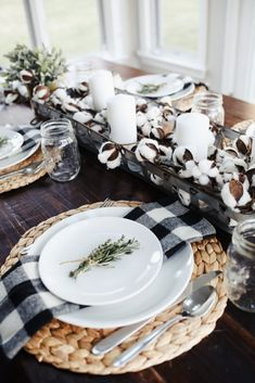 20 Thanksgiving Table Setting Ideas Your Guests Will Love Incorporate Seasonal Plants And Herbs: These Thanksgiving table setting ideas will make your tables look so festive this holiday season! Here are the best Thanksgiving table decorations to try! Thanksgiving Table Settings, Thanksgiving Tablescapes, Thanksgiving Decorations, Modern Farmhouse Kitchens, Farmhouse Decor, Farmhouse Design, Farmhouse Table Settings, Farmhouse Style, Country Table Settings