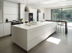 Corian worktop with bulthaup by Kitchen Architecture