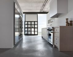 Minimal Kitchens by Piet Boon for Warendorf - Original is a kitchen that is functional and timeless, comfortable and pure, distinctive and harmonious. It demonstrates the effect that can be created by combining natural materials with sophisticated surfaces. | #Kitchen #InteriorDesign |