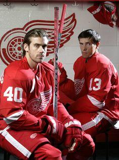 The Euro Twins. Henrik Zetterberg and Pavel Datsyuk. The best. Detroit Hockey, Detroit Sports, Hockey Mom, Hockey Teams, Detroit Tigers, Sports Teams, Ice Hockey, Kings Hockey, Bruins Hockey