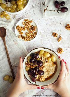 reteta porridge cu struguri Hummus, Acai Bowl, Breakfast, Ethnic Recipes, Blog, Culture, Fine Dining, Acai Berry Bowl, Morning Coffee