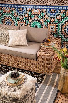 Used Bedroom Furniture, Simple Web Design, Ceramic Design, Outdoor Cushions, Home Textile, Wicker, Decoration, Family Room, Interior Decorating