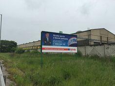 Počas mesiaca máj prebiehala na Slovensku kampaň RE/MAX. Takmer 100 bilboardov realitných profesionálov. Toto je ďalšie foto bilboardu z našej kancelárie RE/MAX Benard - majiteľ kancelárie - Martin Dlugolinský :-)