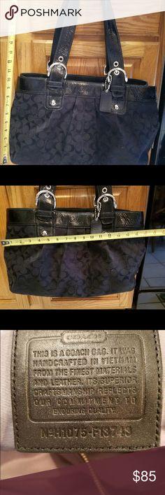 Black Coach purse Very good condition black signature coach purse. Coach Bags Shoulder Bags