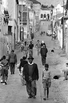 The Spirit of District Six: 32 Interesting Black and White Photographs Capture Everyday Life of Cape Town, South Africa in 1970 ~ vintage everyday Cape Town South Africa, African Culture, African History, Most Beautiful Cities, West Africa, Old Pictures, Historical Photos, Old Things, Black And White