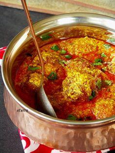 Aloo Kofta/Potato Dumplings in Yogurt Sauce Vegan Indian Recipes, Veg Recipes, Curry Recipes, Vegetarian Recipes, Cooking Recipes, Ethnic Recipes, Paneer Dishes, Punjabi Food, Desi Food
