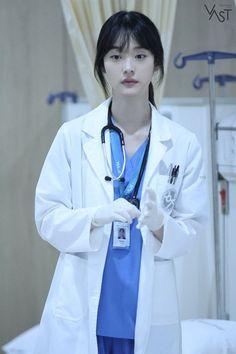 Medical Students, Medical School, Arte Com Grey's Anatomy, Medical Photography, My Future Job, Romantic Doctor, Girl Doctor, Medical Wallpaper, Aesthetic Korea