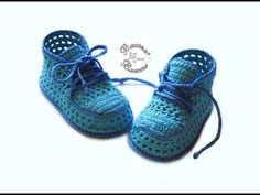 YouTube Booties Crochet, Crochet Converse, Newborn Crochet, Crochet Baby Booties, Crochet Baby Blanket Beginner, Baby Knitting, Kid Shoes, Girls Shoes, Baby Slippers