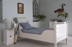 Alexander bed by Tasha Beds - click to close