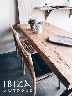 De bamboe eetkamerstoelen zijn weer binnen! (nu extra scherp geprijsd) leuk voor aan de eetkamertafel in de woonkamer maar ook leuk om in de tuin te gebruiken. Bij interesse naar deze stoere dinerstoelen graag even mailen naar ibizaoutdoor@gmail.com ook voor een afspraak in de loods.