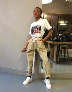 Welcome to r/WomensStreetwear! We are a community focused on streetwear fashion for women, non-binary, trans-identified, and gender non-confirming. Fashion Killa, Look Fashion, Urban Fashion, Fashion Black, Street Fashion, Men Fashion, Mode Outfits, Trendy Outfits, Fashion Outfits