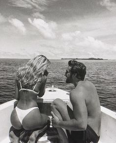 46 ideas photography black and white couples life for 2019 Cute Relationship Goals, Cute Relationships, Cute Couples Goals, Couple Goals, Foto Glamour, You Are The Sun, Fotos Goals, Photo Couple, Couple Beach Photos